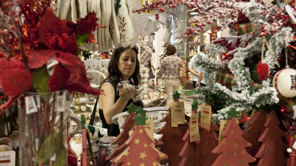 ¿Por qué gastamos tanto en navidad y año nuevo? Reflexiones para economizar en las festividades de fin de año